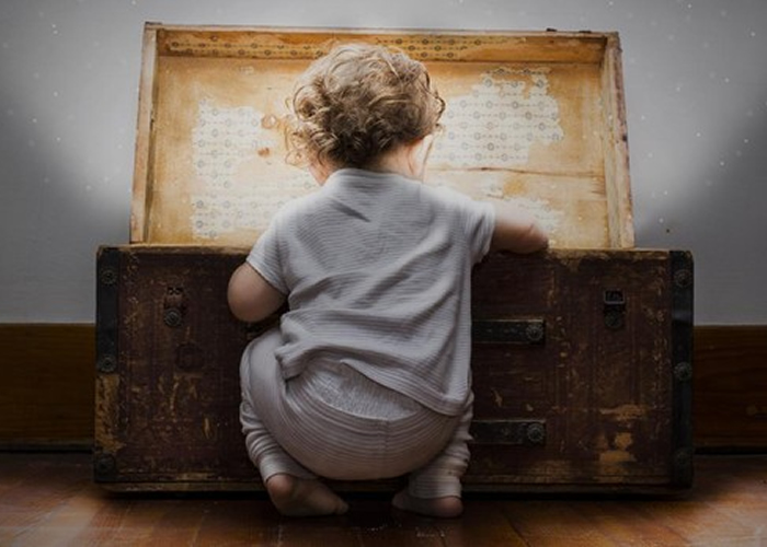 «Mis primeros días» recoge el vacío de recuerdos de niños adoptados